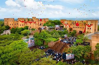 Саентология в Африке: замок Кьялами: перерезание ленточки