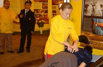 Анна Печёнкина в центре помощи за работой