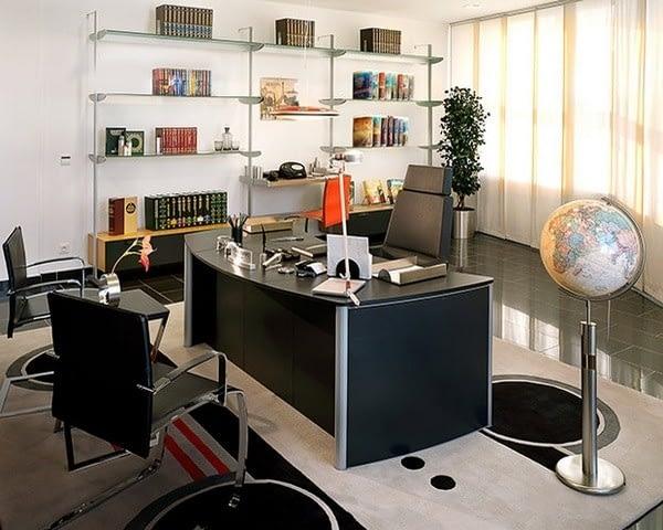 Офис Л. Рона Хаббарда в идеальной организации Берлина.