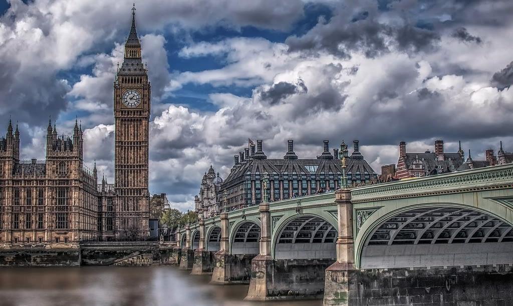 Башня Биг Бен и Вестминстерский мост