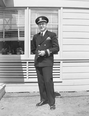 Л. Рон Хаббард, 1943 год