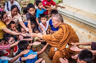 Зачем религия поощряет благотворительность?