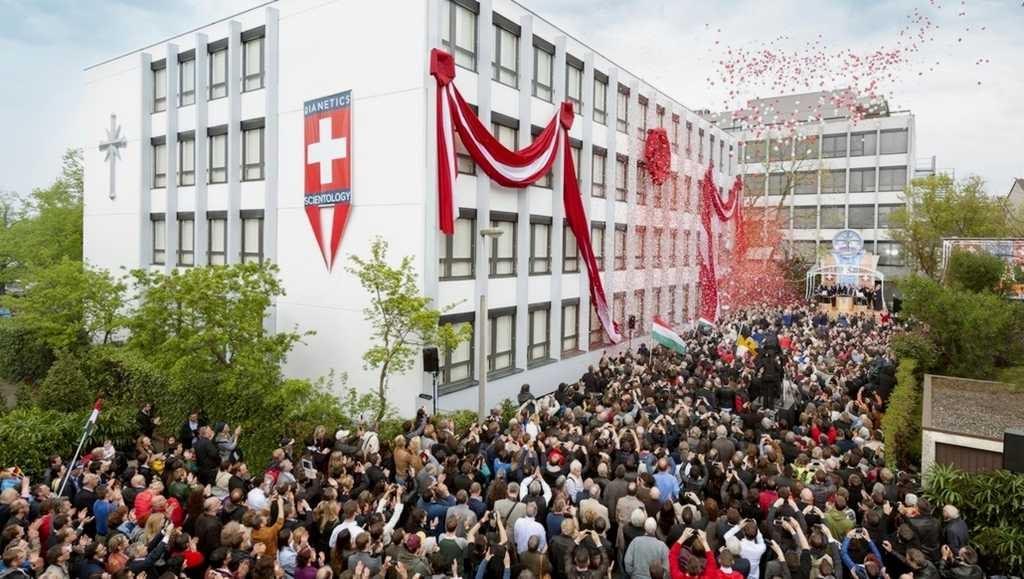 Саентология в Швейцарии: Торжественное открытие новой Саентологической церкви Базеля.