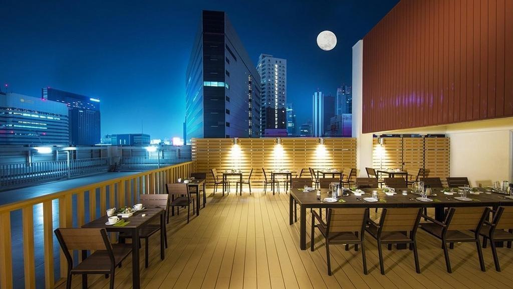 Терраса на крыше здания организации Токио