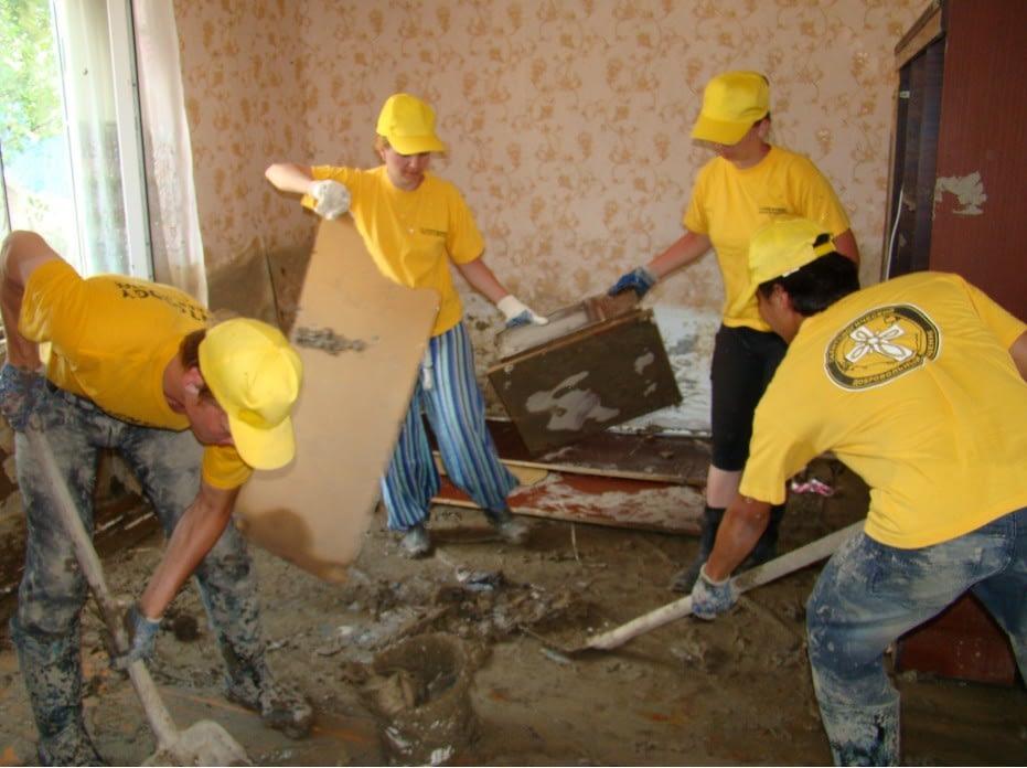 Как волонтёры-саентологи помогали в Крымске