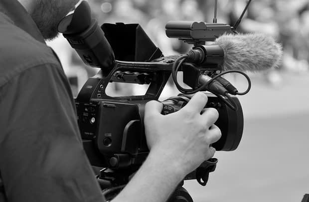 Как Саентологи помогают <br>независимым документалистам