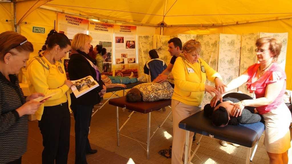 Волонтеры Тура Доброй воли помогают нижегородцам.